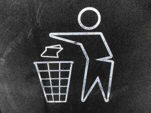 What to Consider When Looking for Skip Bins for Hire in Gold Coast - litter