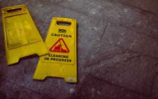 What to Look For In a Professional Pressure Washing Contractor - signs