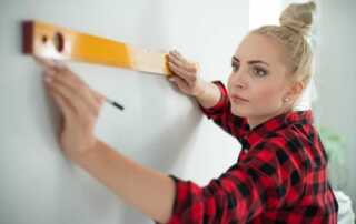 3 Tips For Doing Your Own Home Repairs - leveling