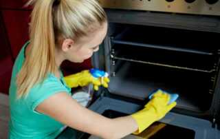 5 Affordable Oven Cleaning Tips & Tricks - cleaning