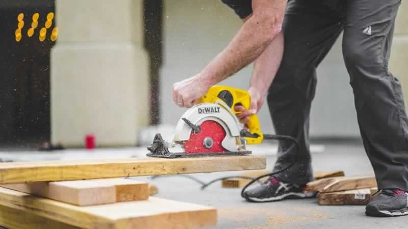 5 Reasons You Should Hire A Tradesman For Your Significant Home Repair Projects - safety