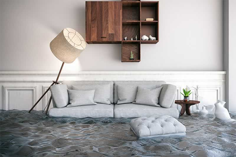 How to deal with insurance during home water damage