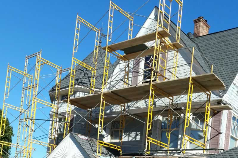 Scaffolding Safety Tips for Construction Work - family house