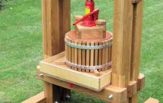 Things You Should Know If You Want To Make Your Own Cider - DIY cider press