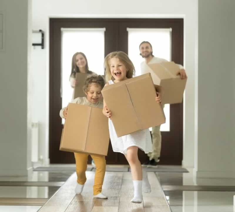 Tips for A Successful and Stress Free House Move - kids with boxes