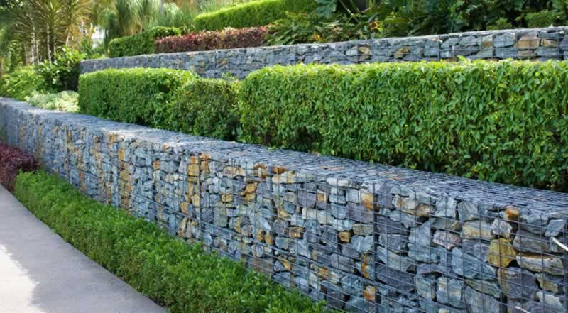 Using Firepits, Retaining Walls and Water Features in your Landscape