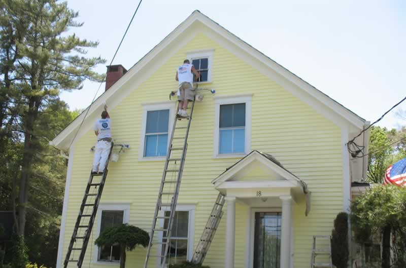 3 Tips For Repainting The Exterior Of Your Home - painters