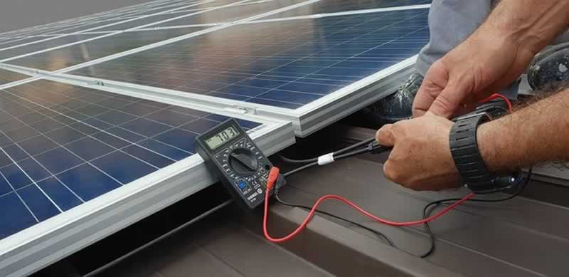4 Reasons Why You Should NOT Go DIY with Solar Panel Installation - installing