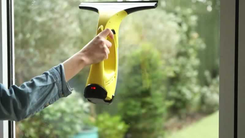 Features to Check When Buying the Best Window Vac