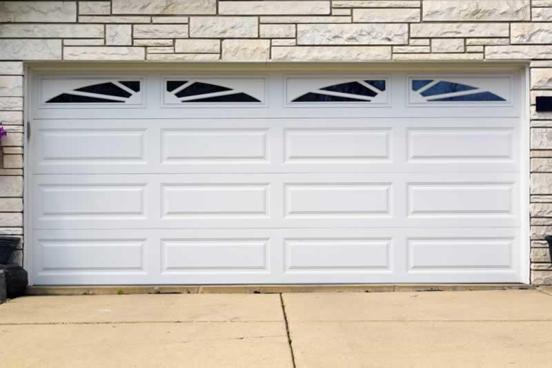 How To Maintain The Look Of Your Garage Door - maintaining garage door