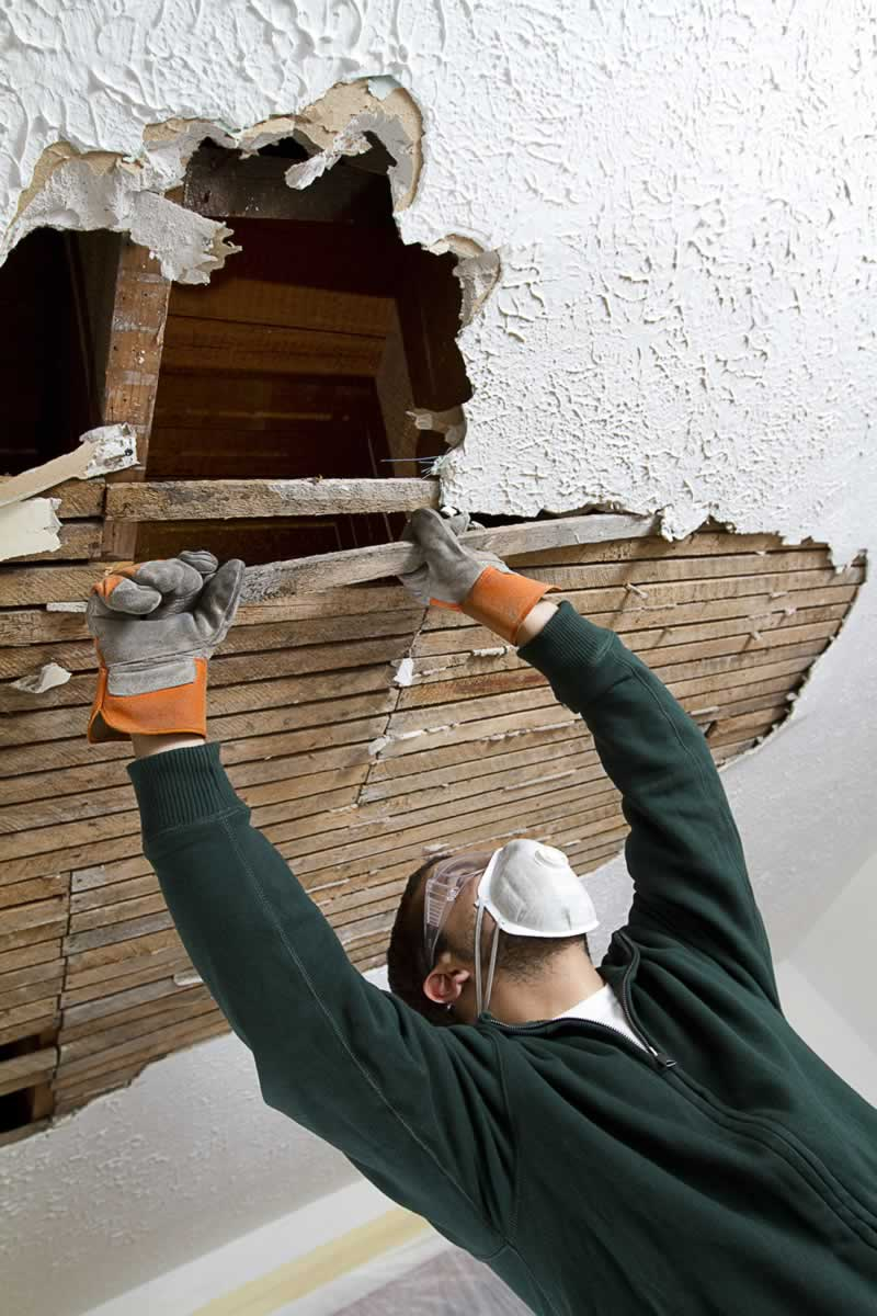 How To Remove Your Ceiling Without Destroying Other Parts Of The Home