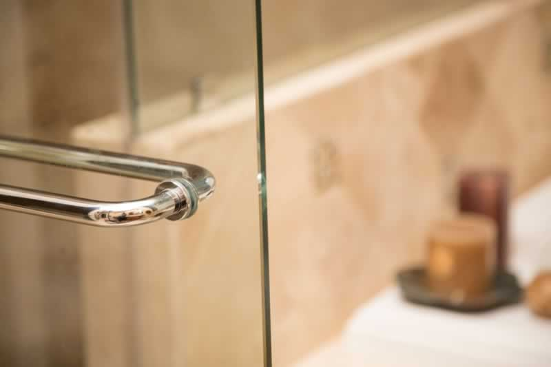 Shower Glass Cleaning Tips - shower glass door