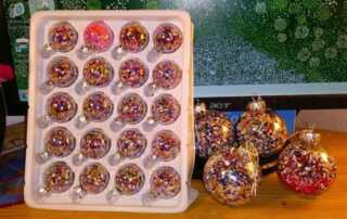 6 DIY Ideas for Diamond Painting Enthusiasts - Christmas ornaments