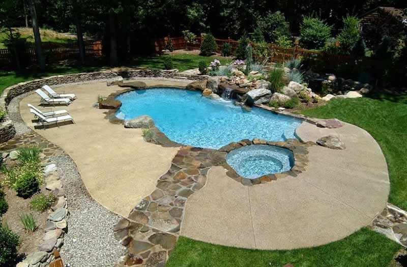 6 Popular Pool Decking Options