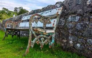 7 Important Tips on How to Clean Rusty Outdoor Metal Furniture and Decors