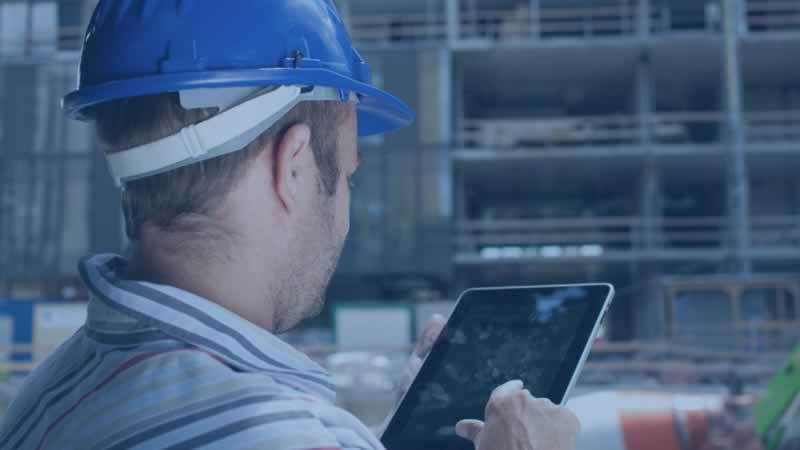 Benefits and What You Need to Look for in a Construction Project Management Software - engineer