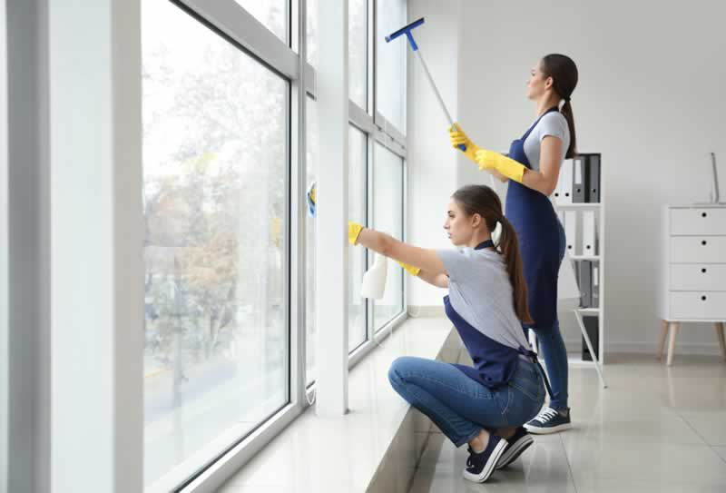 The Benefits of Hiring a Commercial Janitorial Service for Your Job Site