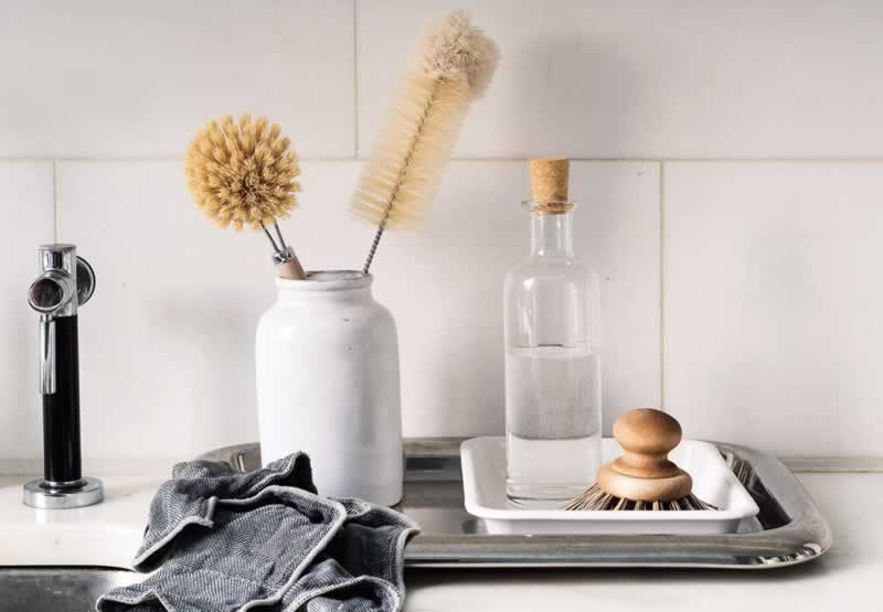 5 Amazing Home Cleaning Hacks - cleaning supplies