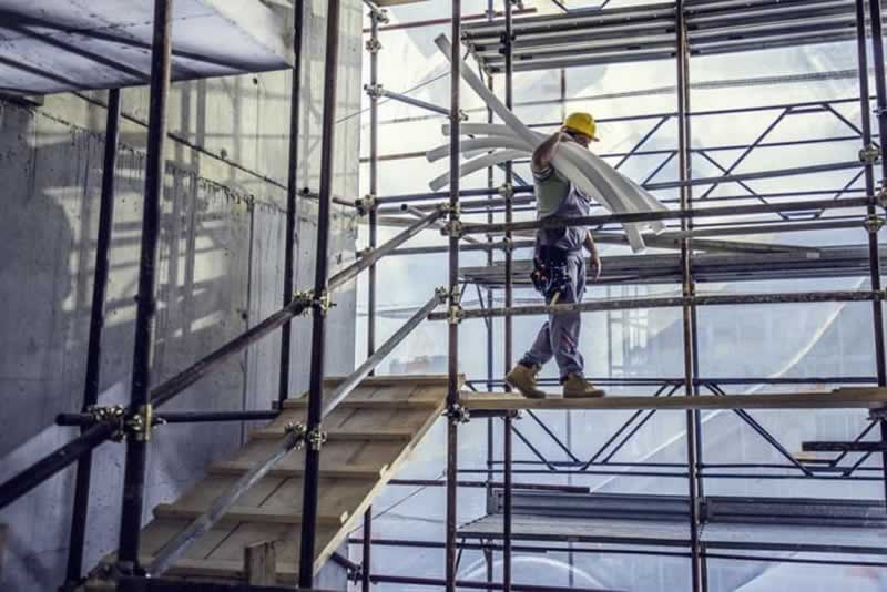 A Guide to Scaffolding - worker
