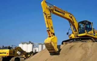 Benefits of Construction Equipment Rental Vs Buying - komatsu