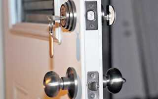 How to Choose the Perfect Lock for an Apartment Home