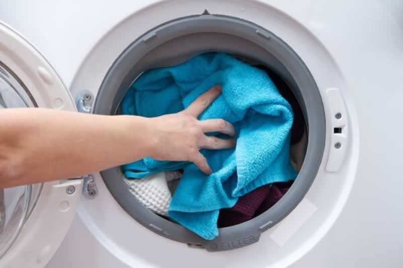 How to Protect Your Hands While Doing Household Chores - washing laundry
