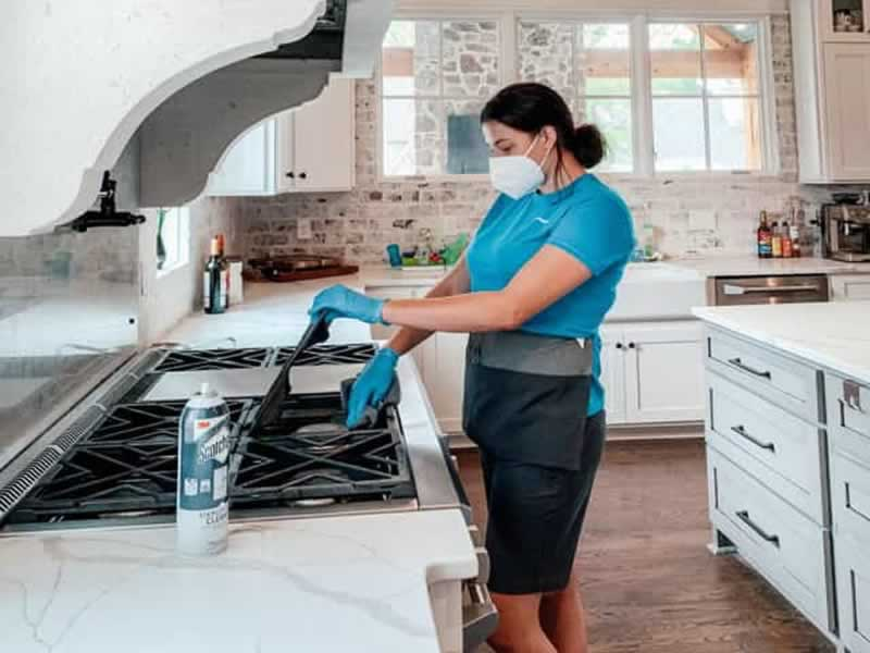 How to clean your home during flu season - cleaning the kitchen