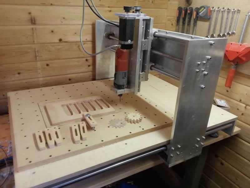 Qualities Of A Good CNC Router - working with CNC router