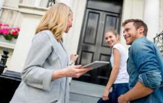 Reasons to hire a buyer's agent - buying a house