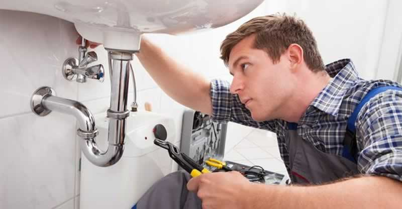 Things to Look Out For With a Plumber in a City - plumber
