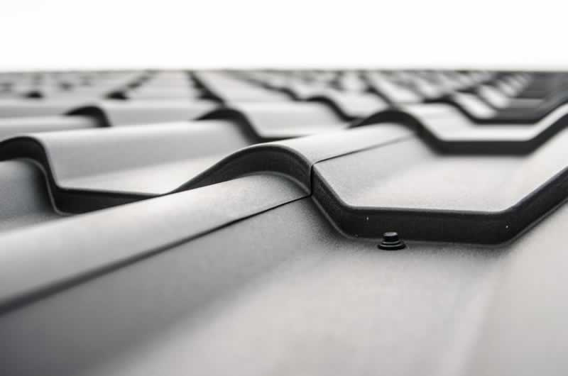 Unique Roofing Projects to Add Curb Appeal - metal roof