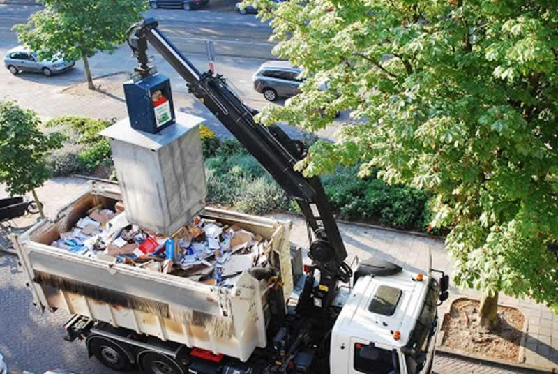 Ways of Disposing of an old fridge freezer - dumpster