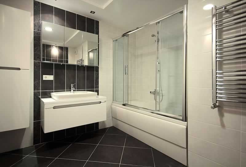 What will be the Appropriate Glass Thickness for My Custom Shower Door - design of door