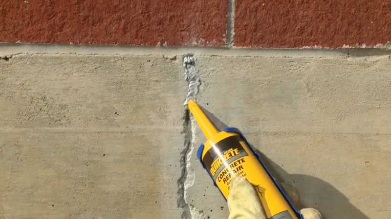 5 Tips for Maintaining Your Home During Winter- sealing cracks