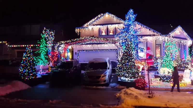 How to decorate your house safely this Christmas