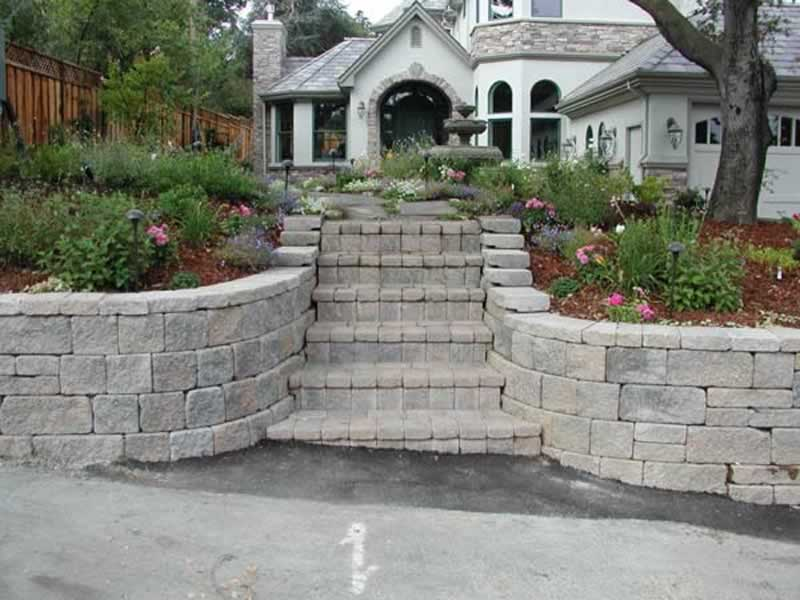 Ideas For A Block Wall in the Front Yard