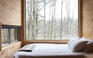 Metal Made Bed Frames vs Wooden Bed Frames