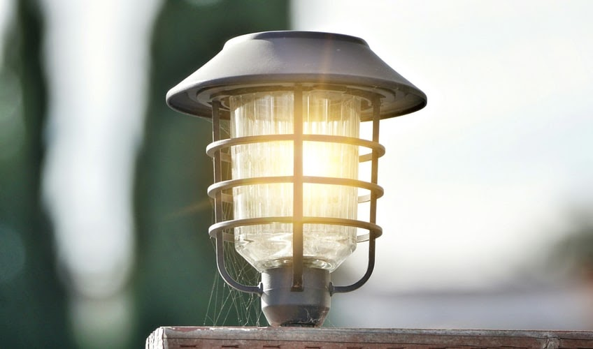 Simple Outdoor Lighting Ideas That Might Interest You - lantern