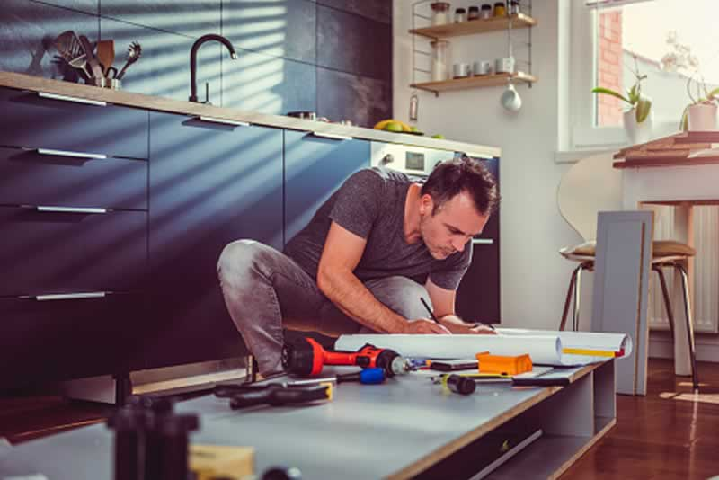 Why Hiring A Handyman For Your Furniture Problems Makes Sense - handyman