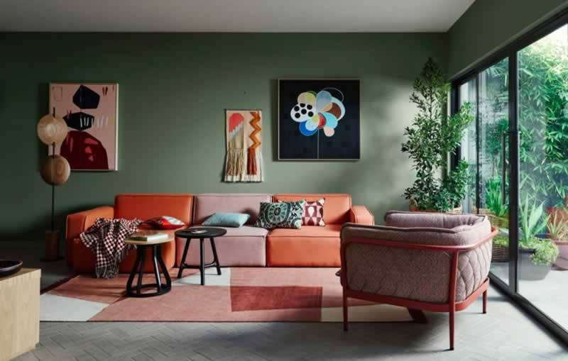 A Guide to Revitalizing Your Living Room Walls