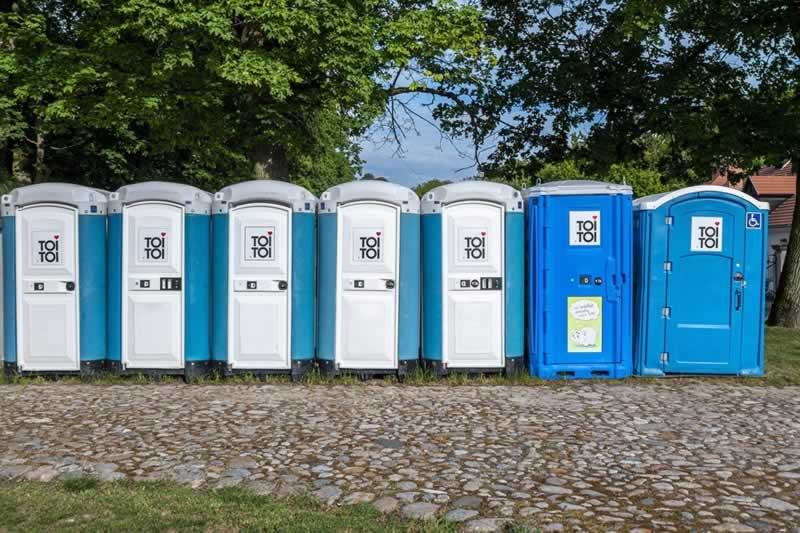 Benefits of Using Portable Toilets When Hosting Events at Home