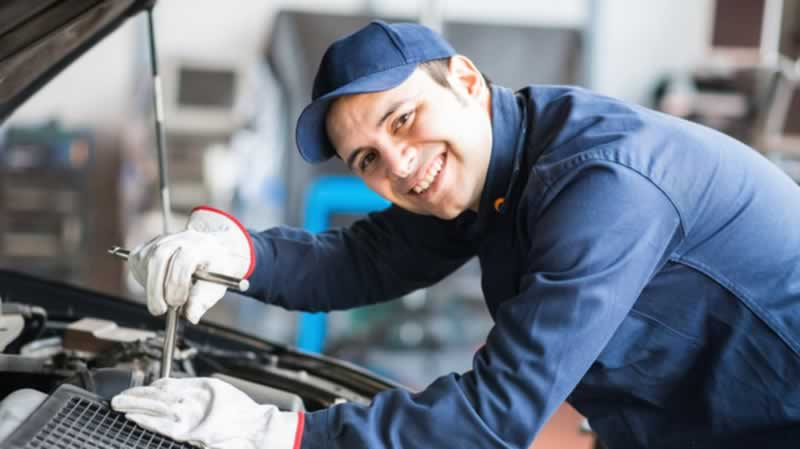 Factors to consider when hiring the right mechanic