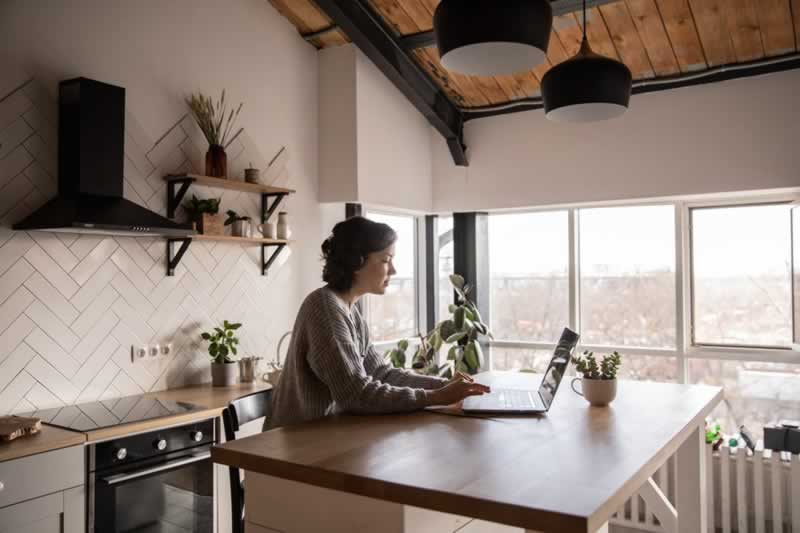 How to Create a Healthy Working Environment at Home
