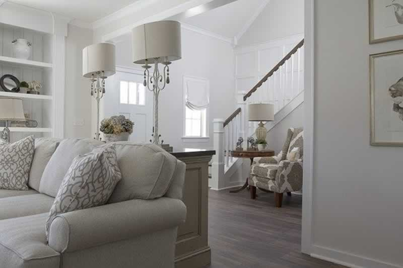 How to Use Skirting Boards to Hit Modern Design Trends - living room