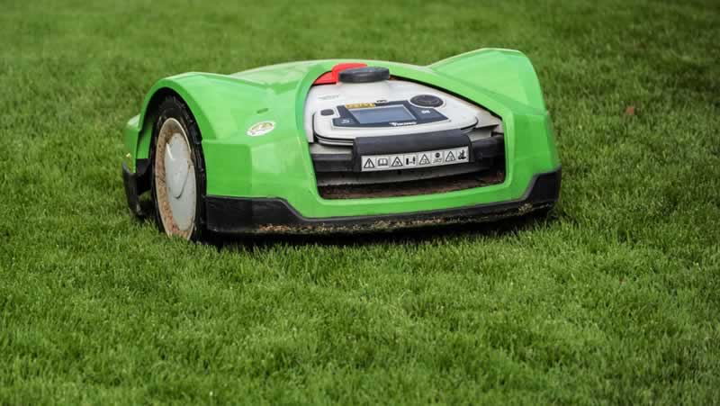 Qualities to Look For When Buying a Lawn Mower - robotic lawn mower