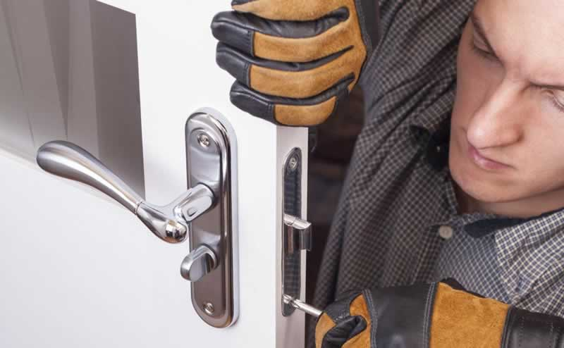 Step-by-Step Guide on how to become a professional locksmith in Orlando - locksmith