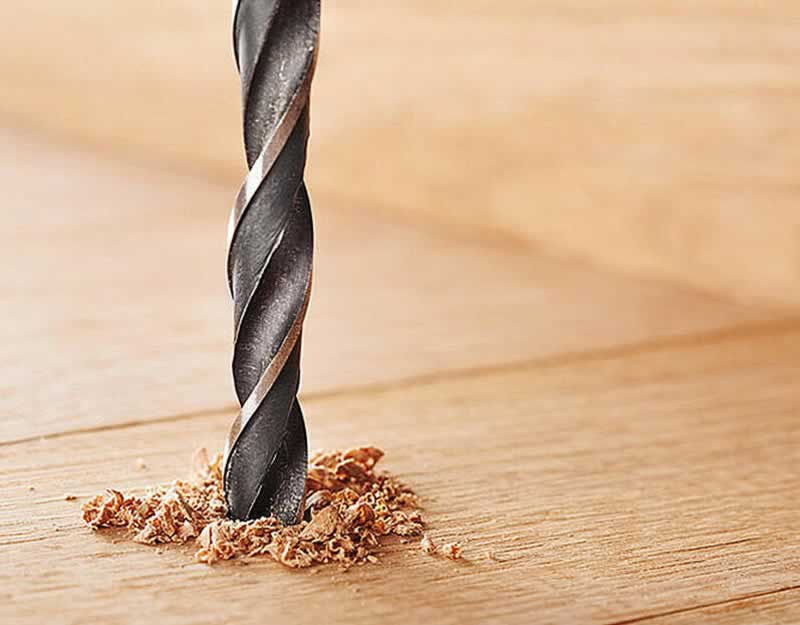 5 Simple Steps to Drill Long Straight Holes in Wood