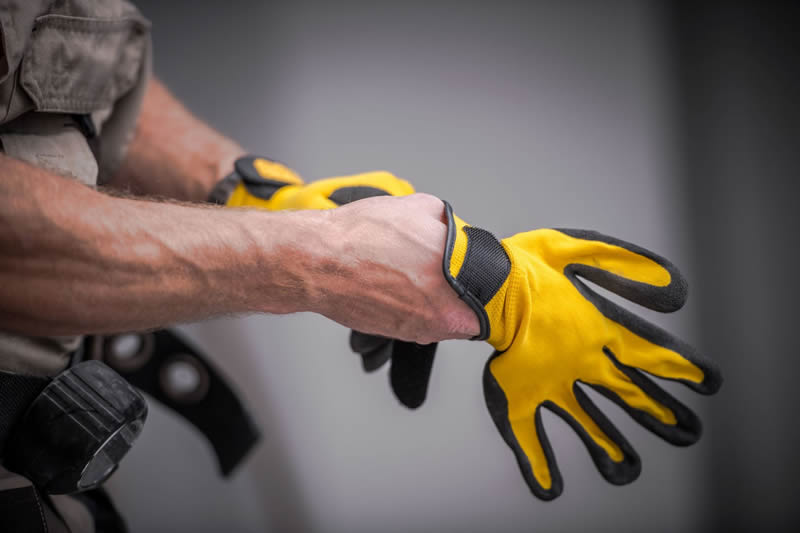 6 Gifts Plumbers Would Love - gloves
