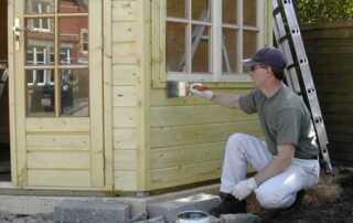 9 Tips to Paint Garden Building