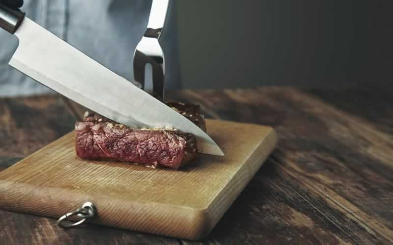 A Comprehensive Review Of Slicing Knife vs. Carving Knife - carving knife